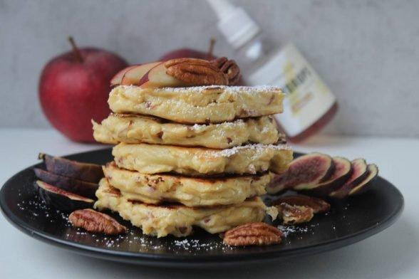 Kalorienarme Apfel Pancakes   Frühstücksidee