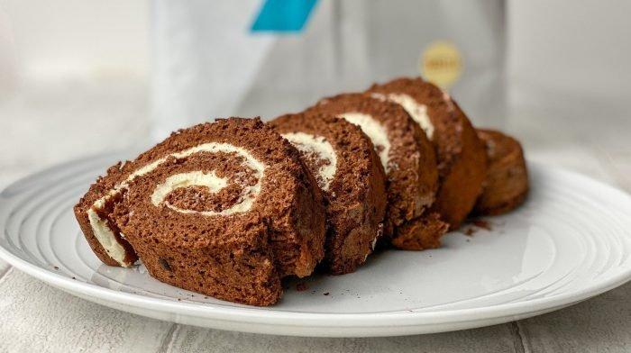 Protein Schokoladen Yule Log mit nur 6 Zutaten