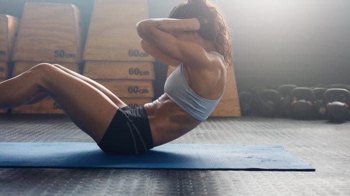Die 15 besten Bauchübungen für Frauen