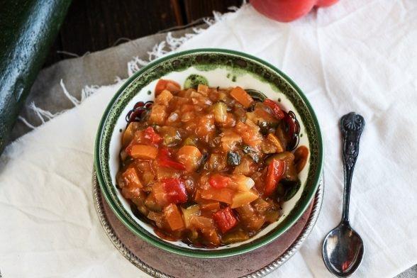 Low Carb Ratatoullie mit Zucchini