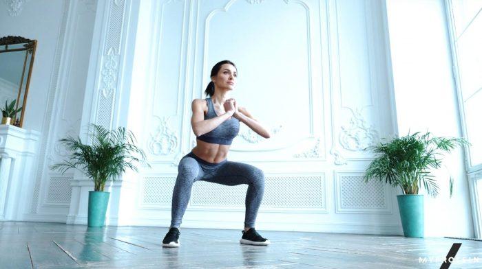 Kniebeugen mit dem eigenen Körpergewicht ausführen | Vorteile & Technik