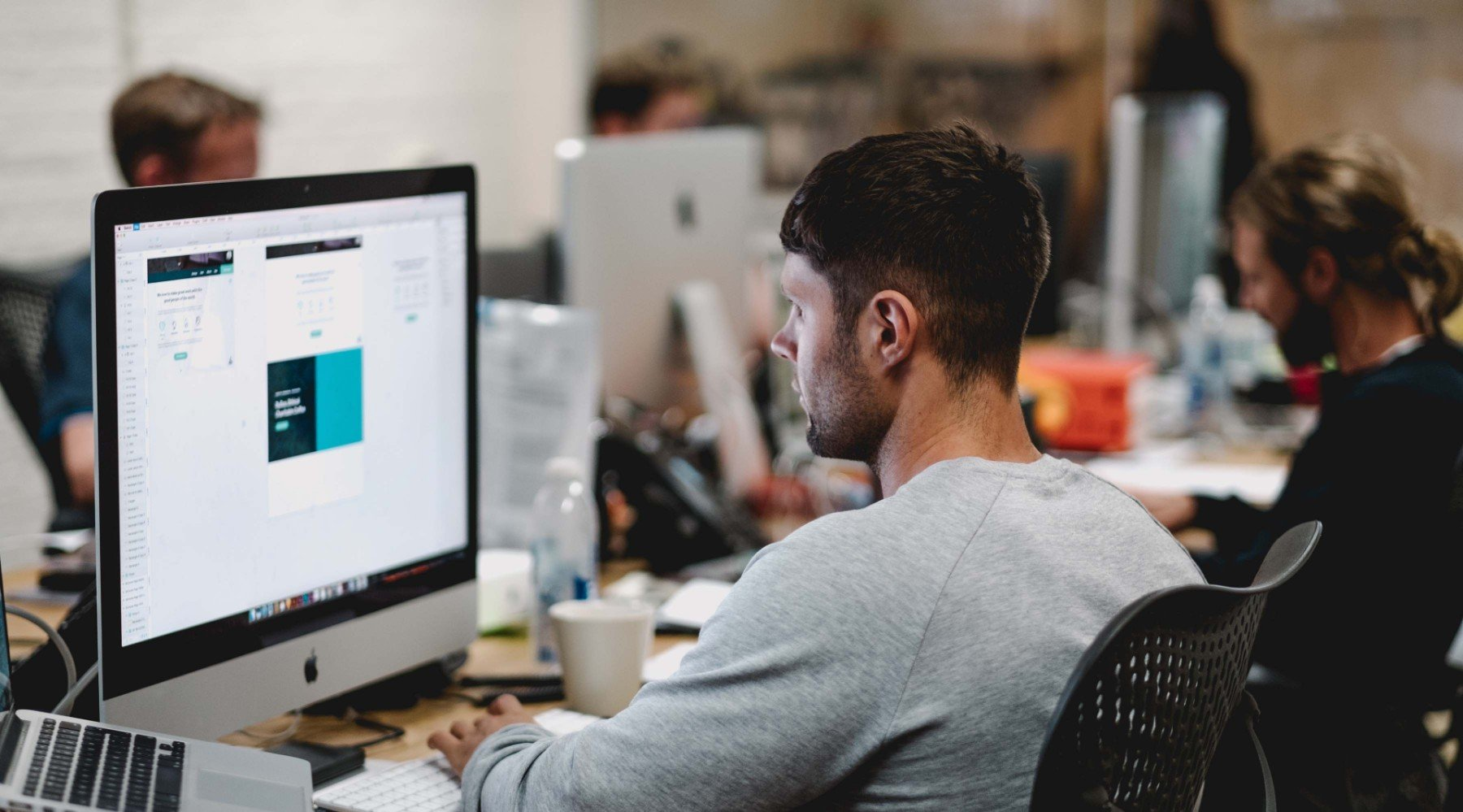 5 leichte Wege, um auf der Arbeit aktiv zu bleiben