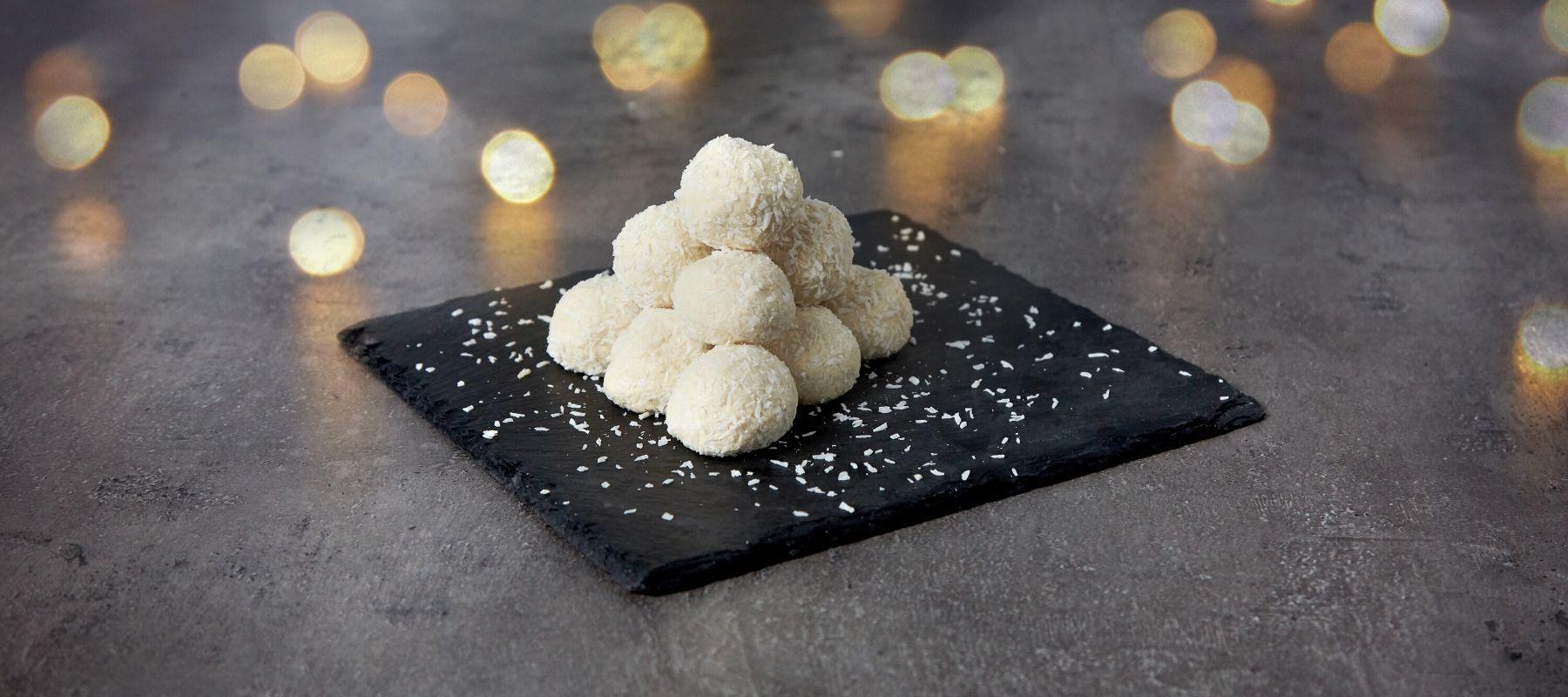 Protein Schneebällchen mit weißer Schokolade