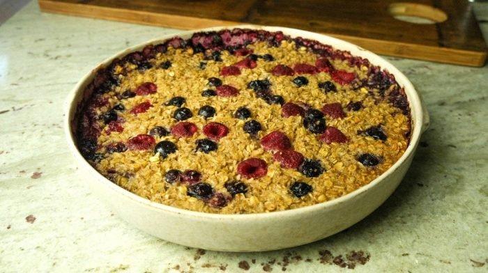Der ultimative Haferflocken-Beeren-Kuchen