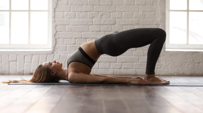 Wie du deine Beine, Bauch und Po ohne Equipment trainierst