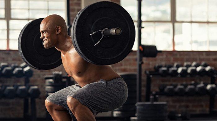 Warte nicht auf ein freies Squat-Rack | 3 Alternativen zur klassischen Kniebeuge