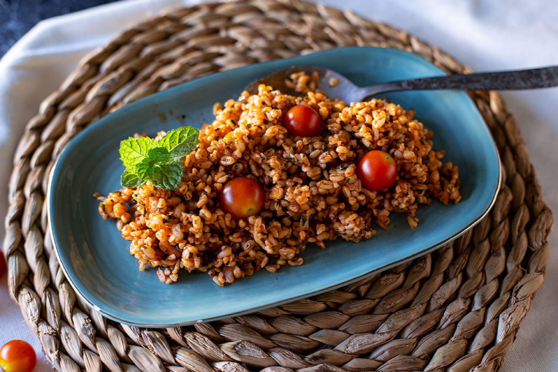 Bulgur Salat mit Tomaten | Gesunde Beilagen