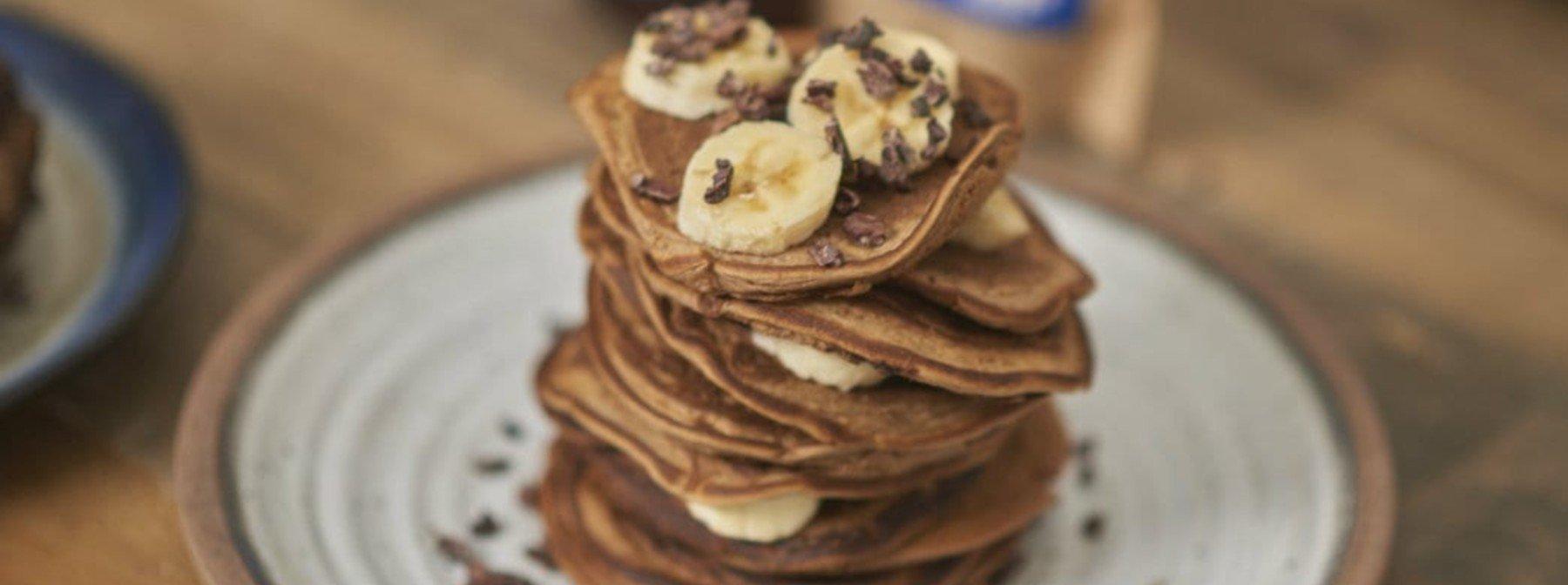 Vegane Protein Pancakes | Probiere diese fluffigen Maca Protein-Pfannkuchen