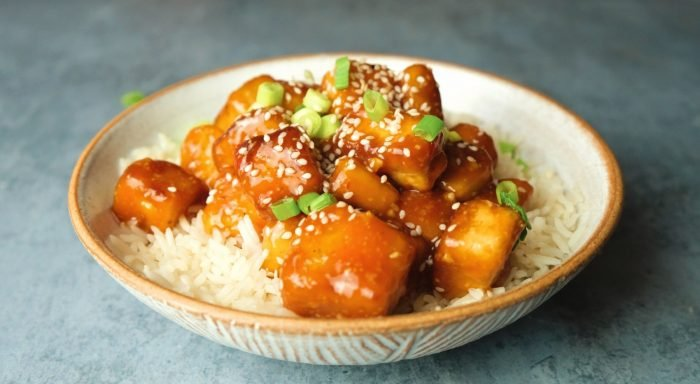 Sesam Tofu mit Süß-Sauer Sauce | Vegane Meal Prep