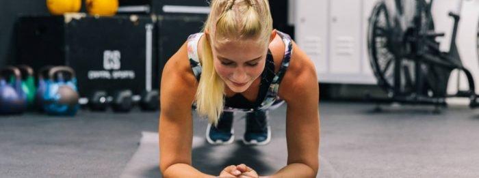 Das 40 Minuten Cardio & Bauch Workout von 8fit | Teste deine Ausdauer