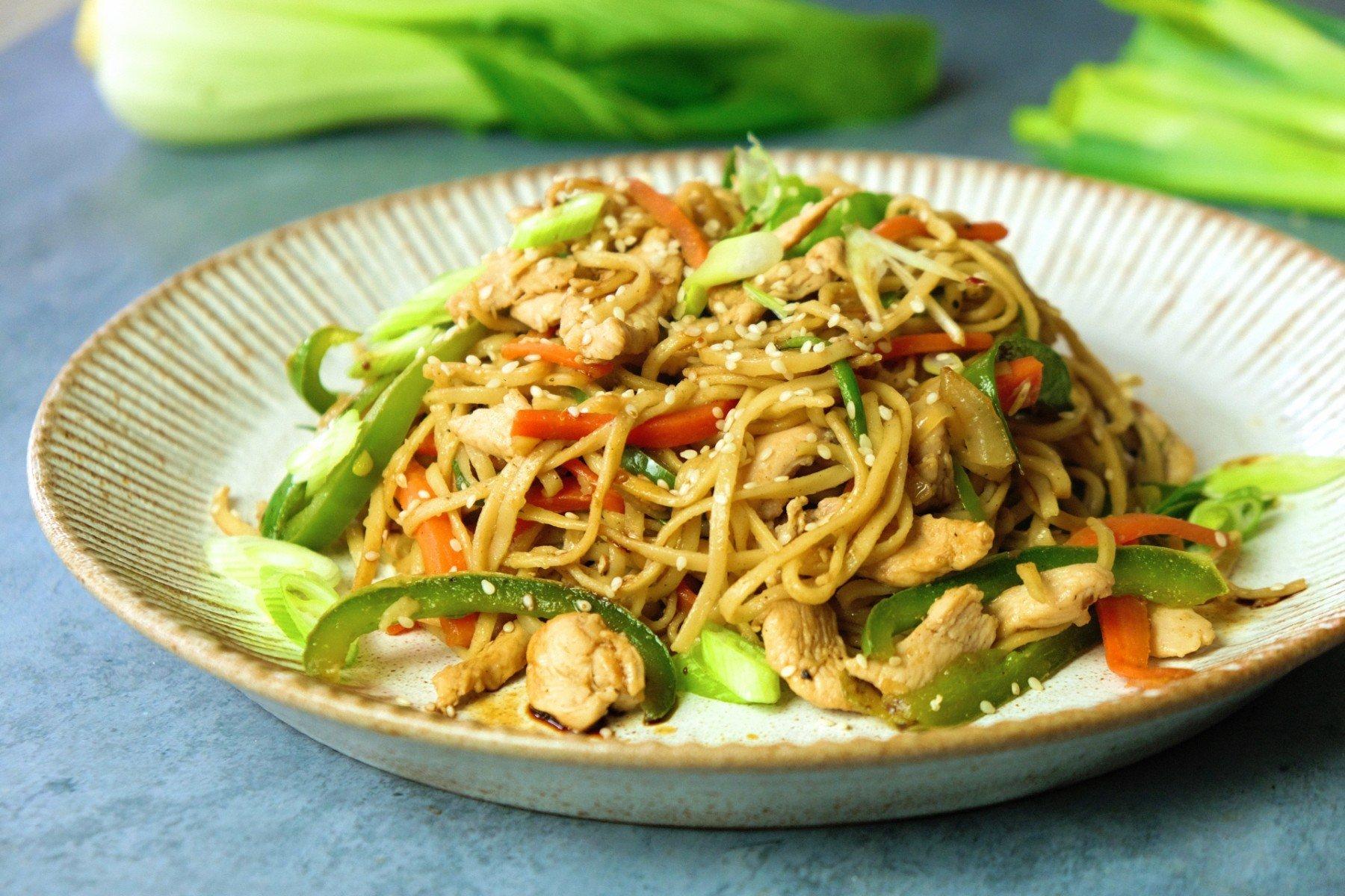 Chicken Chow Mein Fakeaway