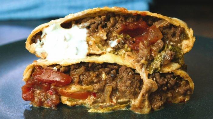 Hausgemachte Crunch Wraps mit Rindfleisch | Fakeaway Favoriten
