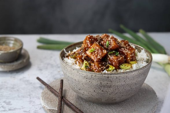 Süß-Sauer Knusper-Tofu | Vegane Hauptmahlzeit