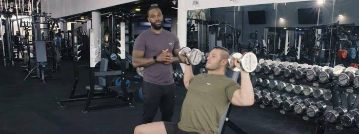 Die 5 besten Schulter-Übungen für Kraft- & Masseaufbau
