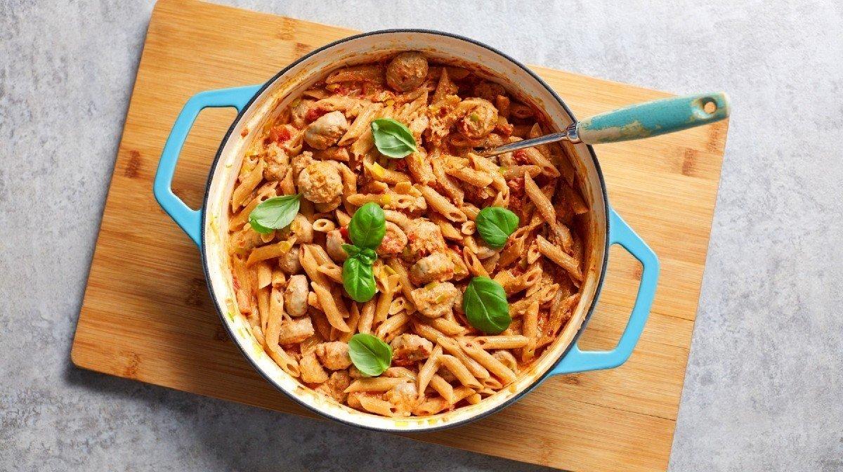 Healthy Pasta Recipes | Lean, Creamy Sausage Pasta Meal Prep