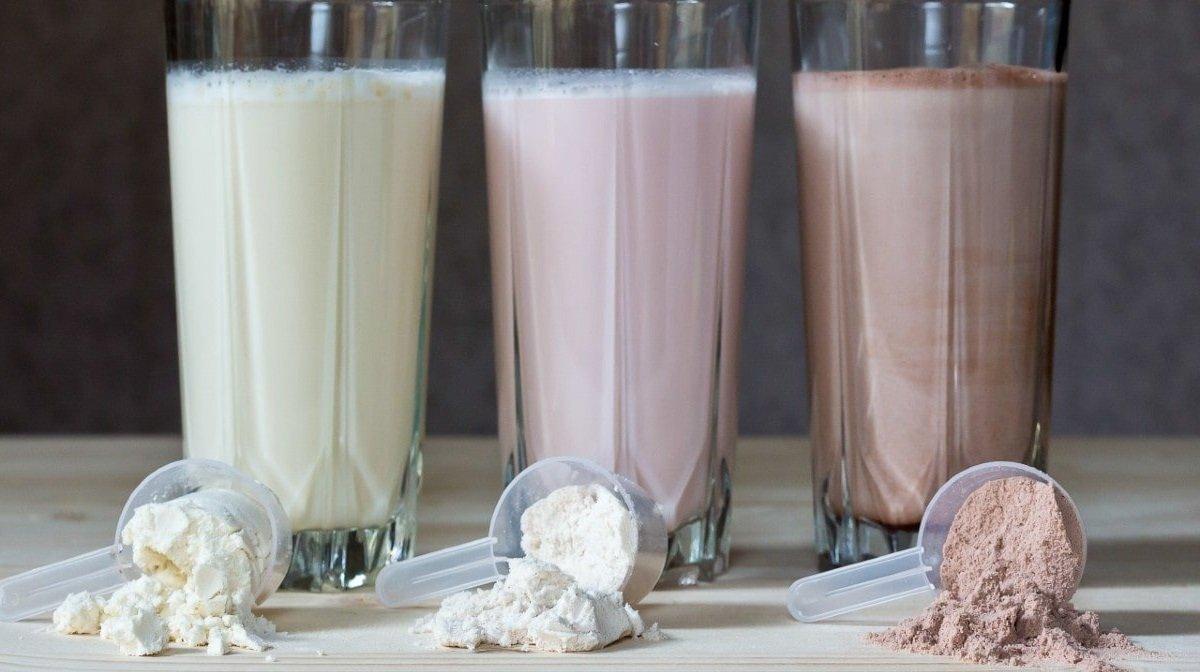 ¿Whey Protein o Caseína? Beneficios de los batidos de proteínas por la noche