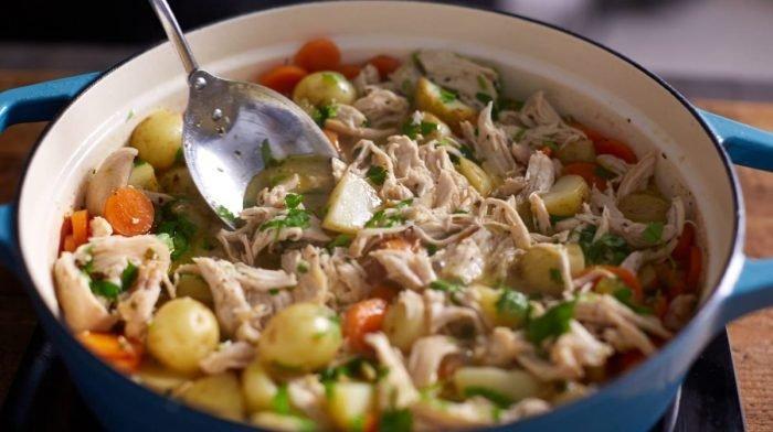 Estofado de pollo en olla | Platos de cuchara para invierno