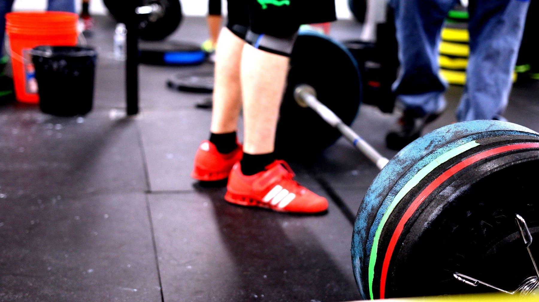 4 ejercicios accesorios para mejorar el peso muerto