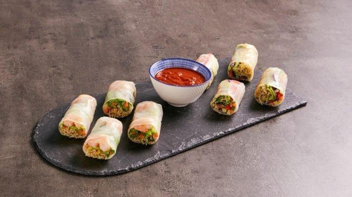 Rollitos de primavera con salsa satay | Recetas fakeaway