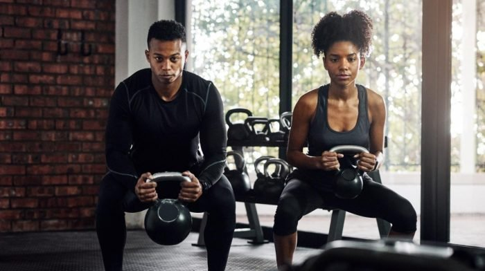 Entrenamiento con kettlebell o pesas rusas | 22 ejercicios para todos los niveles