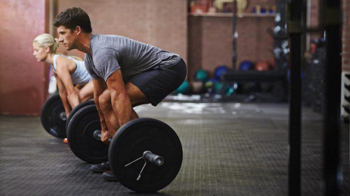 Entrenamiento con barra | 16 ejercicios con barra para ganar fuerza y tonificar