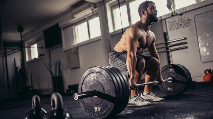 No hagas cola para hacer peso muerto | 3 alternativas al peso muerto con barra