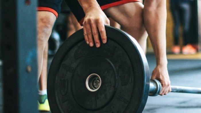¿Cómo puede un hombre delgado ganar músculo? | Consejos y errores