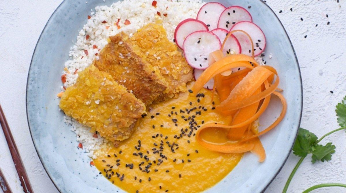 Curry katsu crujiente con tofu | Recetas 8fit