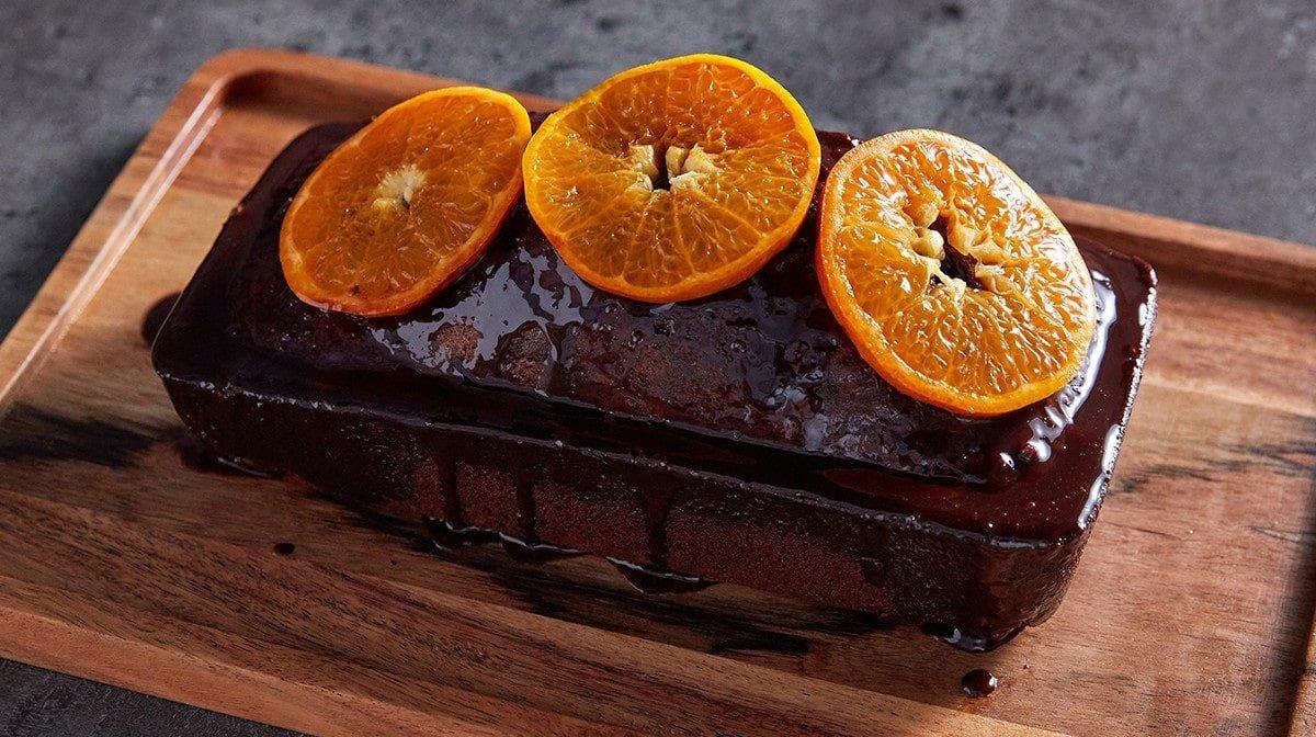 pastel proteico de chocolate y naranja