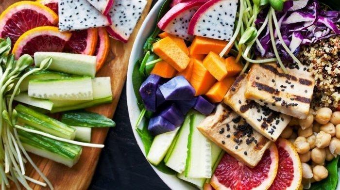 8 alimentos veganos pre-entrenamiento con respaldo científico