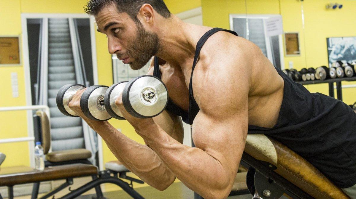 Rutina de bíceps y tríceps