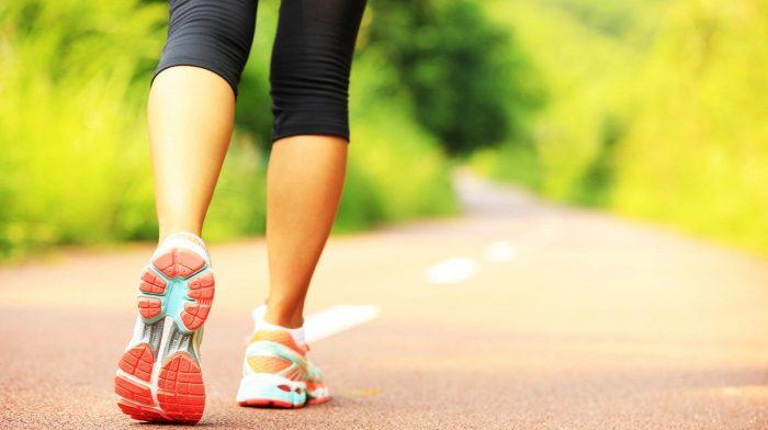 ¿Cuánto tiempo se tarda en caminar 1 km?