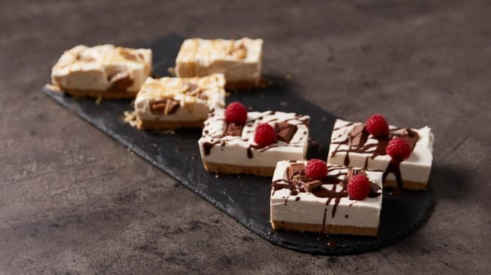 Barras de Cheesecake Com 5 Ingredientes   Duas Versões