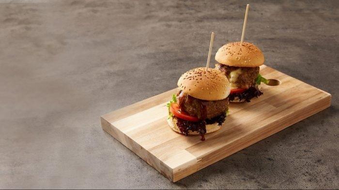 Hambúrgueres Com Recheio De Mozzarella