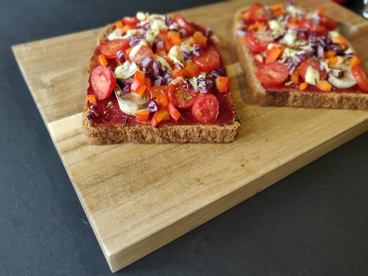 Healthy Pizza Toast