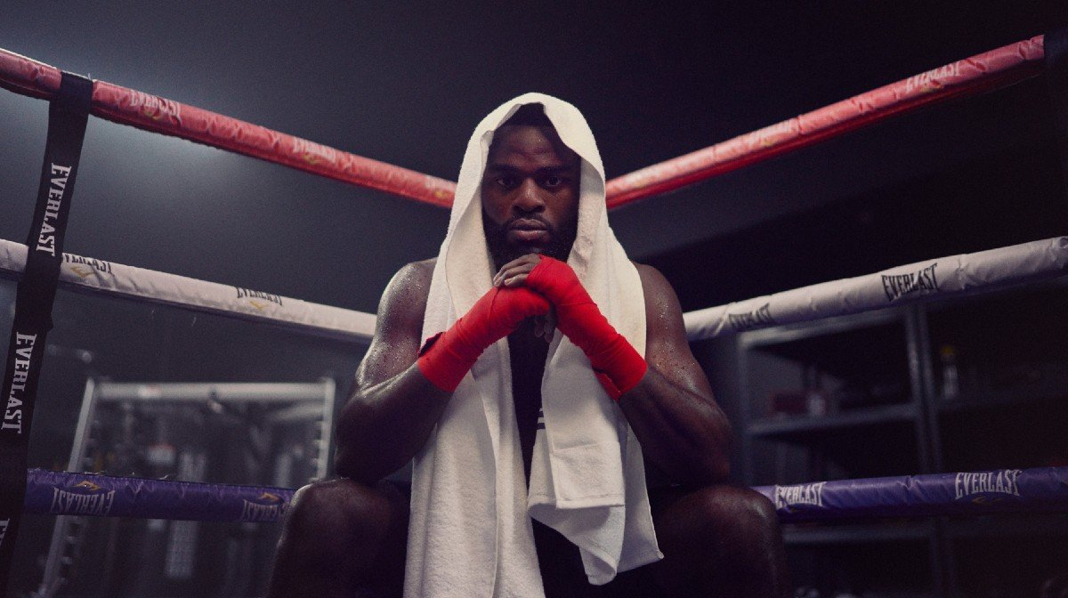 Met Joshua Buatsi de ring in! | Forever Fit