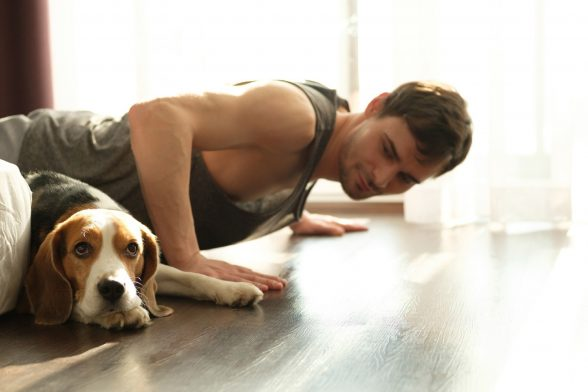 Maak thuisworkouts leuk   4 fitnessgames om met je vrienden te spelen