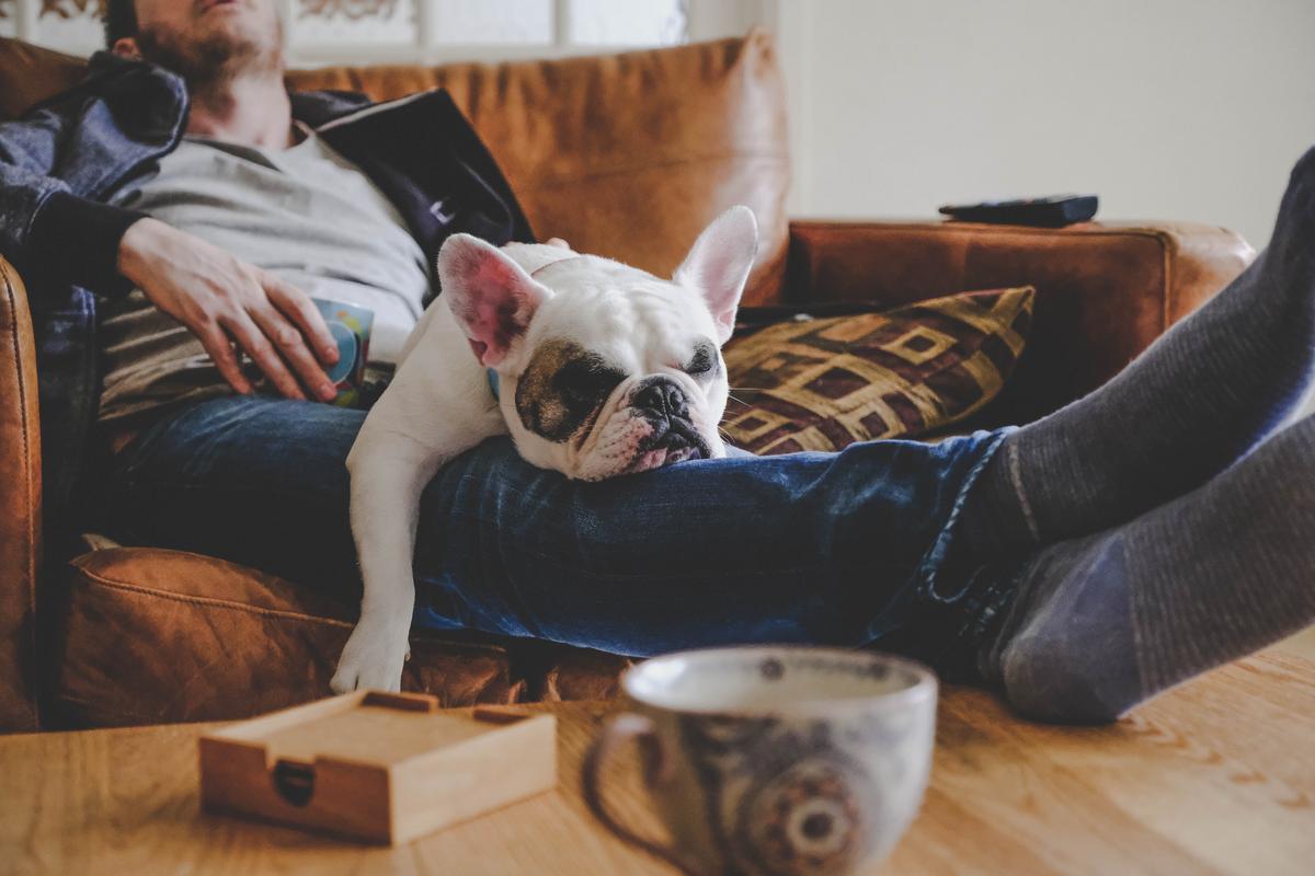 Mijn thuistrainingen zijn minder intens dan in de sportschool – moet ik een rustdag nemen? | Je vragen beantwoord