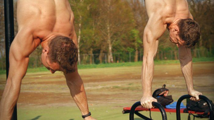 Leer de Handstand | Beginner Tutorial | MYPROTEIN X CALISTHENICS FAMILY Workout 3