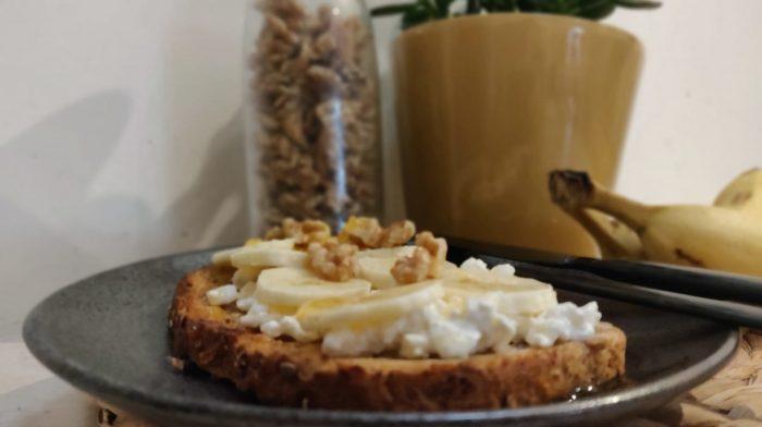 Bananen Hüttekäse Toast