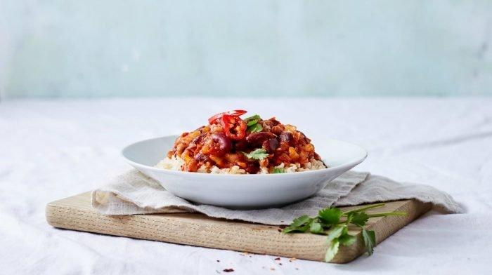Fiery Five Bean Chilli | 15-Minuten Vegan Dinner