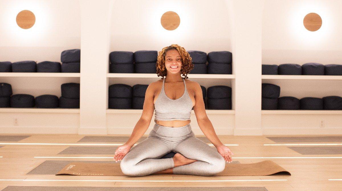 Hoe deze Wellness Coach yoga gebruikte om met verdriet om te gaan en van loopbaan te veranderen | Everyday Athletes