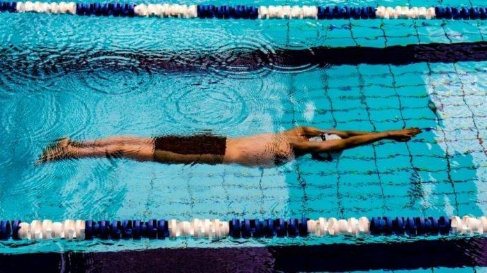 8 beste supplementen voor zwemmers | Moet je eten voordat je gaat zwemmen?