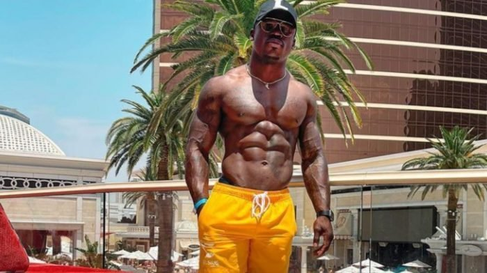 """Six Pack Attack Workout Met Darien """"That Ab Guy"""" Johnson"""