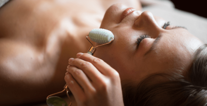 How To Perform An At-Home Facial Massage