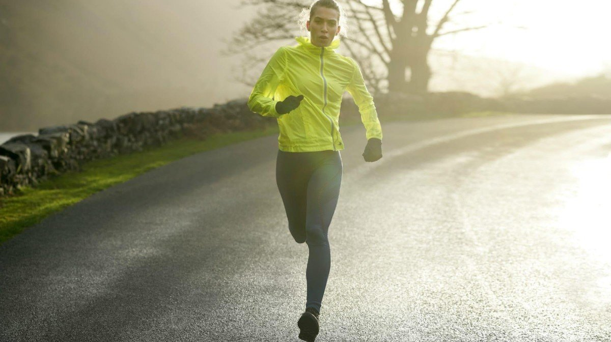 Why You Should Try Jogging & How To Tell If You're Doing It Wrong