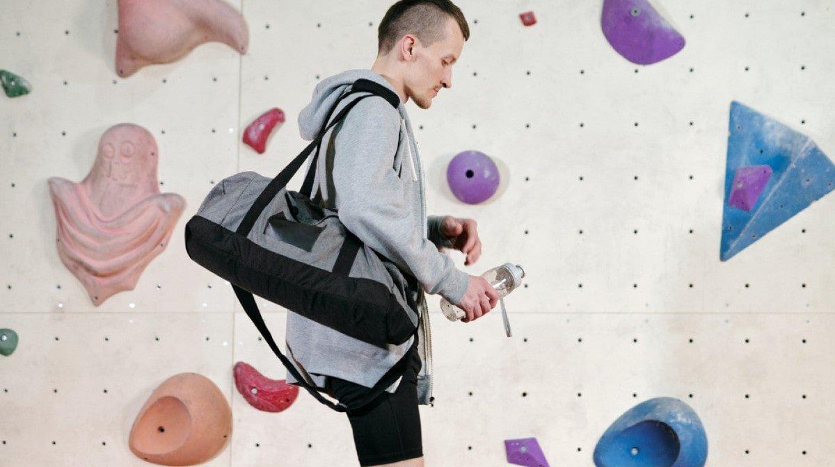 How To Pack The Perfect Gym Bag | 10 Gym Bag Essentials