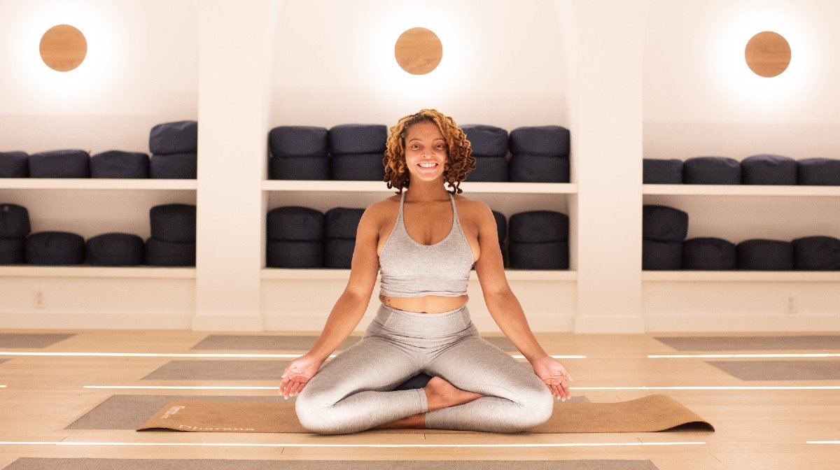 How This Wellness Coach Used Yoga To Deal With Grief & Switch Careers | Everyday Athletes