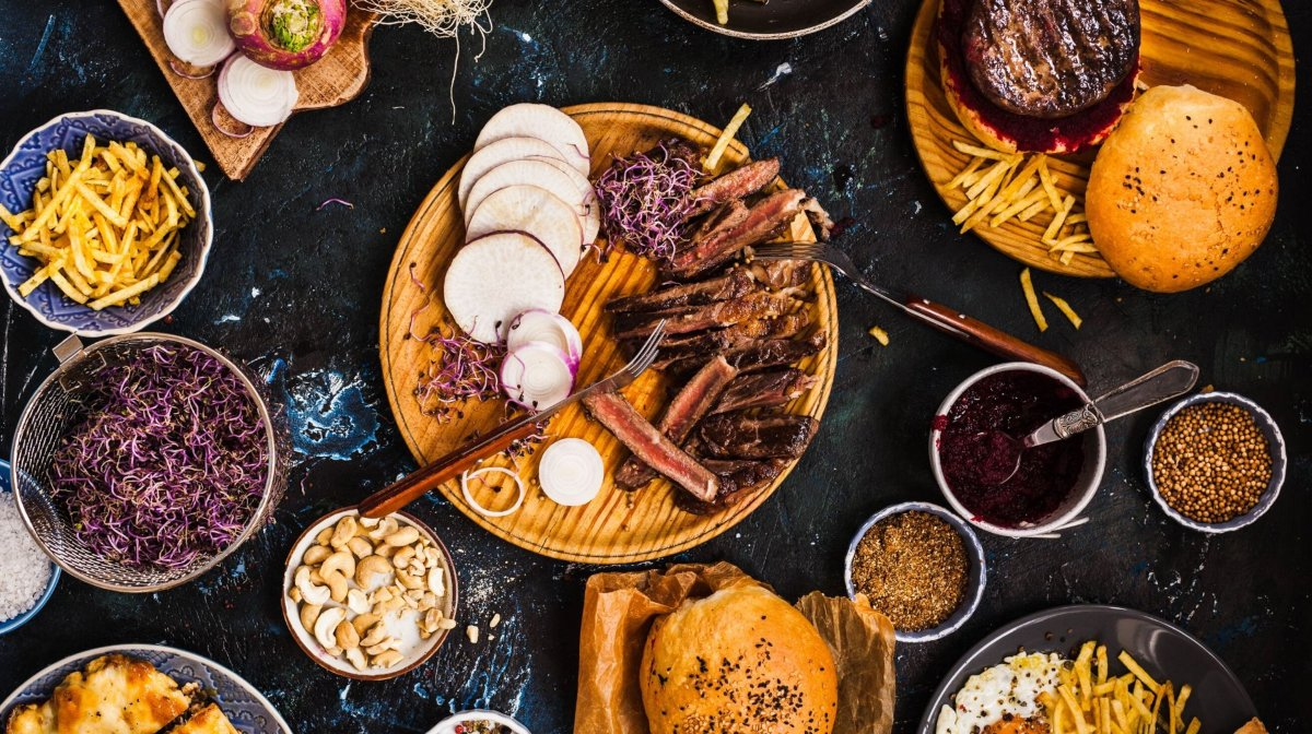Friendsgiving Meals To Do While Prepping Makeup