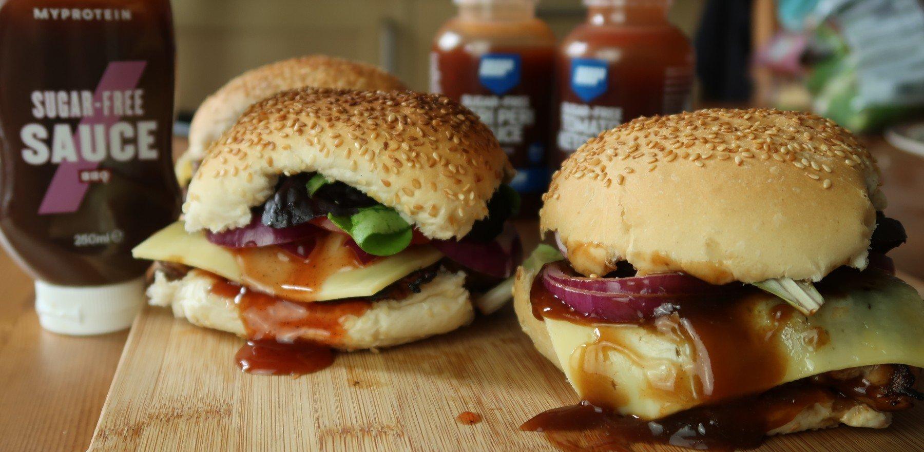 Gyors & egyszerű BBQ csirkeburger | Egy sistergő nyári recept